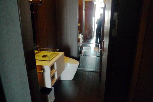 パークハイアット上海の完全フル自動のトイレ