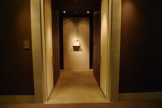 パークハイアット上海の客室前のコリドー