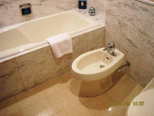 ラッフルズ北京ホテルのバスルーム