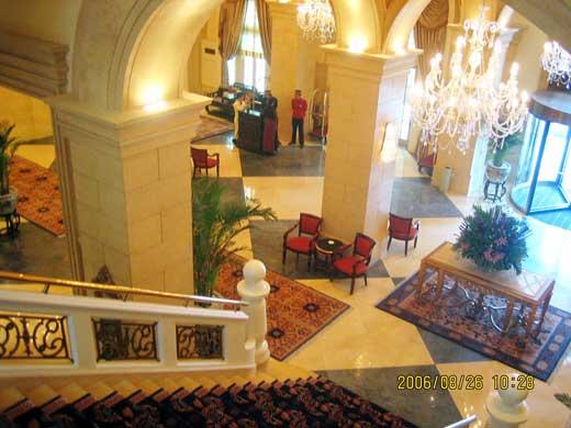 ラッフルズ北京ホテルのロビー