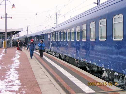 雪のちらつくドレスデン中央駅