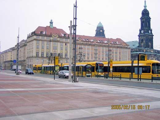新市街と旧市街を分ける大きな広場