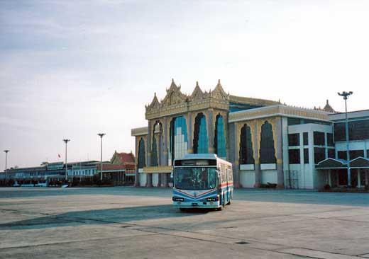 ヤンゴン空港の風景